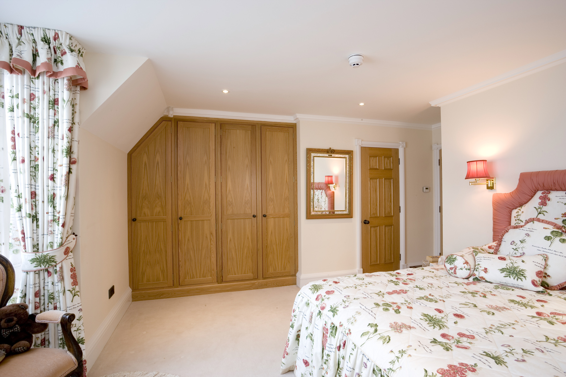 Flat Pack Fitted Bedroom Furniture Flat Pack Wardrobes Flat Pack Bedroom Furniture Oak High